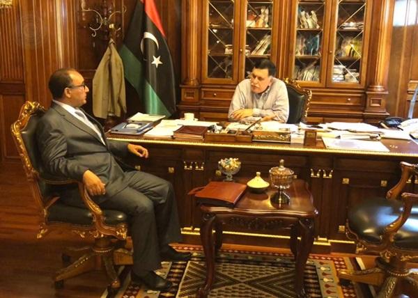 لقاء رئيس حكومة الوفاق الوطني برئيس رابطة الأدباء والكتاب الليبيين.